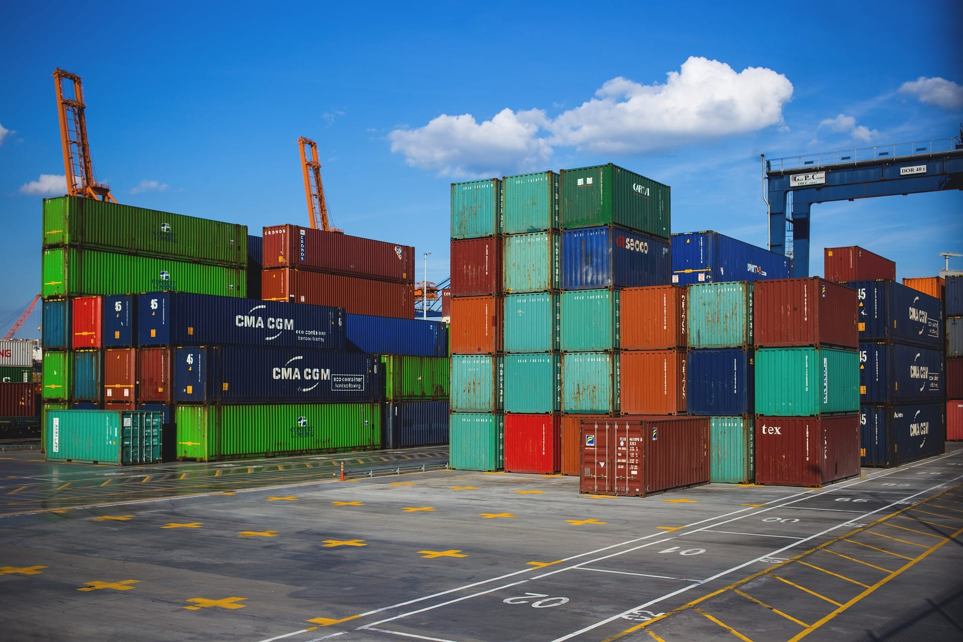 Consolidation project management shipping containers featured image